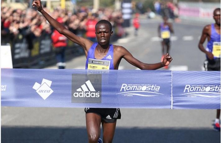 Robert Chemosin  vainqueur du semi-marathon rome-ostie 2015