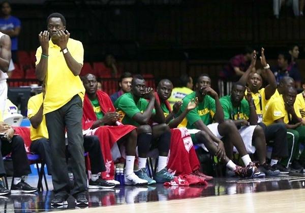 les Lions avec leur coach Cheikh Sarr