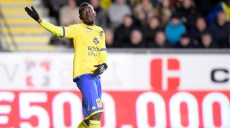 20160129 - SINT-TRUIDEN, BELGIUM: STVV's Victorien Angban leaves the field after receiving a red card during the Jupiler Pro League match between Sint-Truiden VV and anderlecht, in Sint-Truiden, Friday 29 January 2016, on day 24 of the Belgian soccer championship. BELGA PHOTO YORICK JANSENS