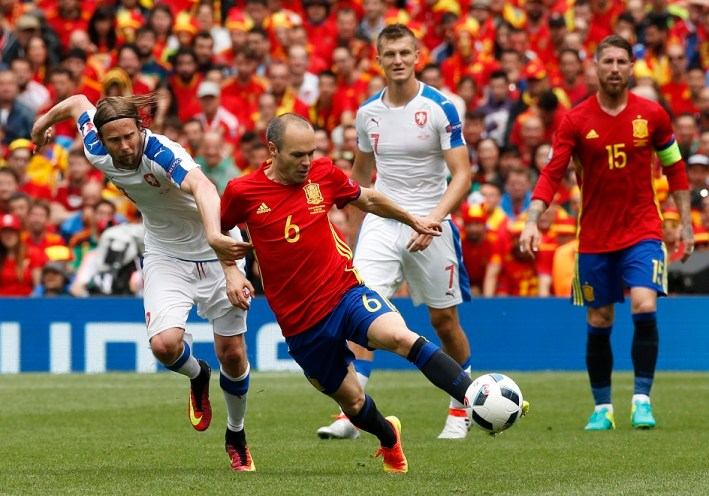 Football Soccer - Spain v Czech Republic - EURO 2016 - Group D - Stadium de Toulouse, Toulouse, France - 13/6/16 Spain's Andres Iniesta in action with Czech Republic's Jaroslav Plasil REUTERS/Albert Gea Livepic