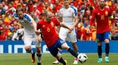 Football Soccer - Spain v Czech Republic - EURO 2016 - Group D - Stadium de Toulouse, Toulouse, France - 13/6/16 Spain's Andres Iniesta in action with Czech Republic's Jaroslav Plasil REUTERS/Albert Gea Livepic