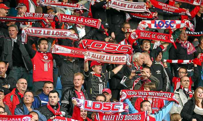2048x1536-fit_supporters-colere-contre-dirigeants-losc