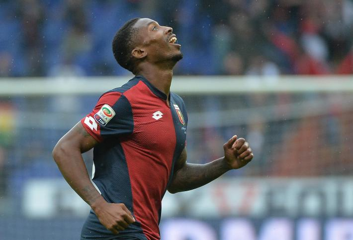 Genoas Serge Gakpe' jubilates after scoring the goal during the Italian Serie A soccer match Genoa Cfc vs Chievo Verona at Luigi Ferraris stadium in Genoa , Italy, 18 october 2015. ANSA/LUCA ZENNARO