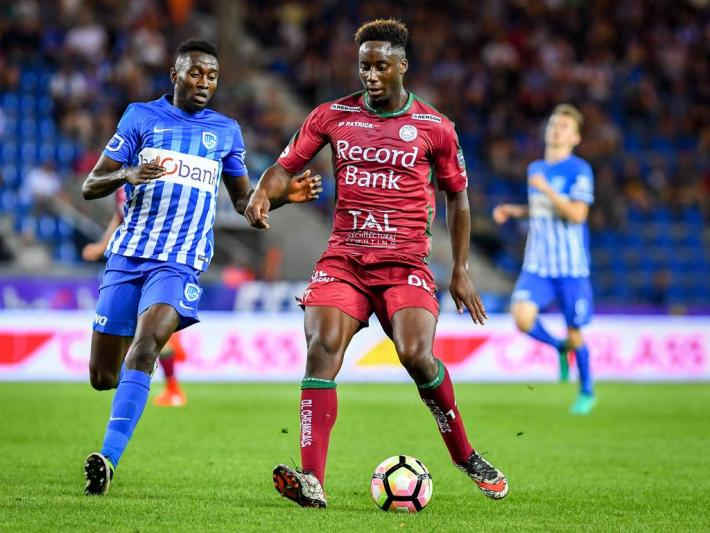 Essevee s Soualiho Meite and Genk s Wilfried Onyinye Ndidi fight for the ball during the Jupiler Pro League match between KRC Genk and Zulte Waregem, in Genk, Sunday 28 August 2016, on the fifth day of the Belgian soccer championship. LUCxCLAESSEN PUBLICATIONxINxGERxSUIxAUTxONLY x04920996x  ESSEVEE s Soualiho Meite and Genk s Wilfried Onyinye Ndidi Fight for The Ball during The Jupiler Pro League Match between KRC Genk and Zulte Waregem in Genk Sunday 28 August 2016 ON The Fifth Day of The Belgian Soccer Championship LUCxCLAESSEN PUBLICATIONxINxGERxSUIxAUTxONLY x04920996x