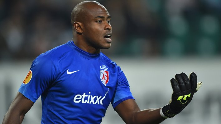 WOLFSBURG, GERMANY - OCTOBER 02:  Vincent Enyeama of Lille shouts during the UEFA Europa League match between VfL Wolfsburg and LOSC Lille at the Volkswagen Arena on October 2, 2014 in Wolfsburg, Germany.  (Photo by Stuart Franklin/Bongarts/Getty Images)