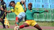 Hiwot Dengiso Buwoli of Ethiopia battles with Amanda Dlamini of South Africa© Pic Sydney Mahlangu/Backpagepix