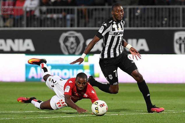 Le Paris SG rejoint Angers en finale — Coupe de France