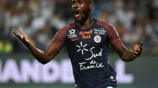 Montpellier's Ivorian forward Giovanni Sio reacts during the French L1 football match between Montpellier (MHSC) and Strasbourg (RCSA), on August 19, 2017, at the La Mosson Stadium in Montpellier, southern France. / AFP PHOTO / SYLVAIN THOMAS