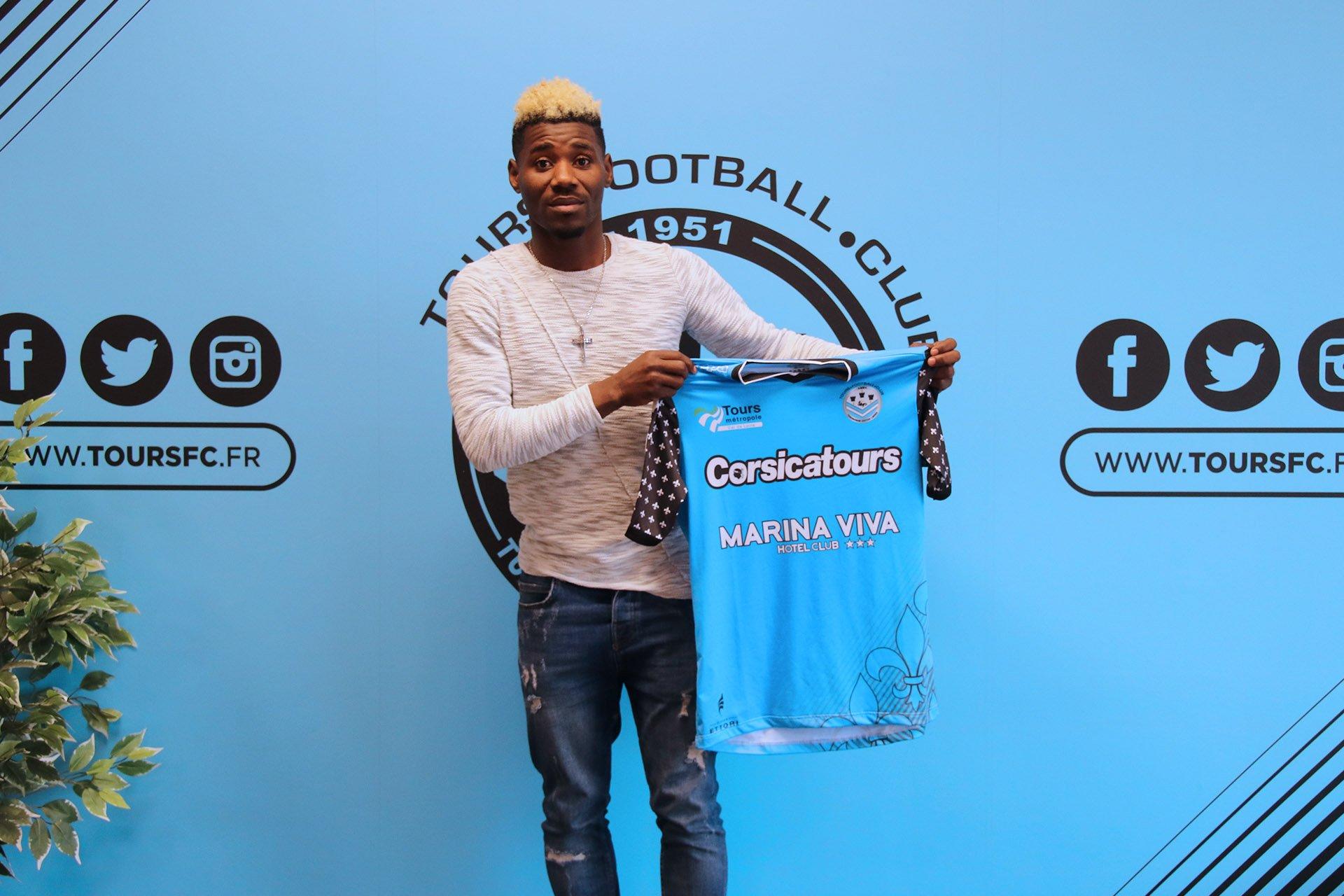 Le Tours FC a recruté Samson Mbingui
