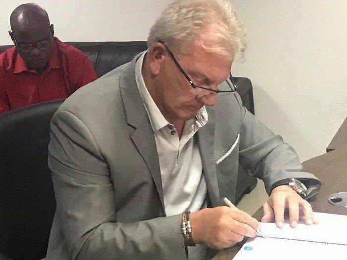 Le Belge Paul Put signe avec la Guinée jusqu'en 2021 — Syli national