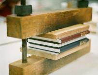 Pressing books