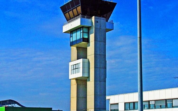tour de controle LorraineAirport photo JP COUR