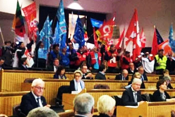 Manif Grand Est Hémicycle
