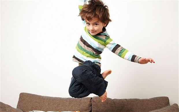 معاملة الطفل المفرط الحركة في المنزل