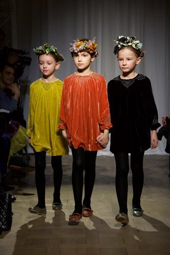 أزياء أطفال