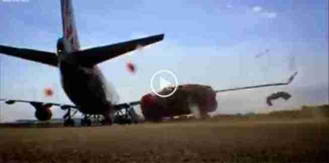 فيديو طائرة تحطم سيارة بهواء محركاتها القوي - أحلى عالم