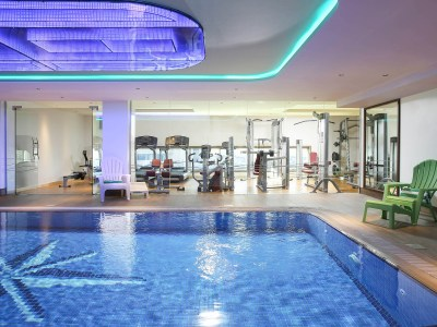 Hotel in DUBAI - ibis Styles Dubai Jumeira with Pool & Gym
