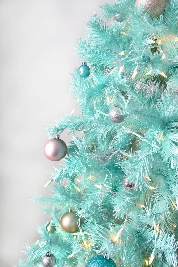 How to spray paint a Christmas tree-12