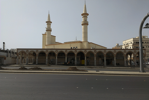 مسجد المنارتين ( مسجد بني دينار ) الذي صلى به الحبيب صلى الله عليه وآله وسلم بالمدينة المنورة