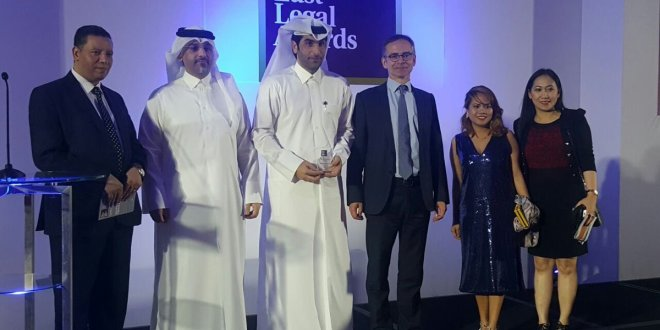 الاستاذ سلمان الانصاري يحصل على جائزة أفضل إنجاز في الشرق الاوسط 2017( جوائز الشرق الاوسط القانونية 2017)