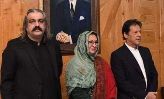 المناضلة السياسة القيادية و المحامية الأستاذة آمنة الأنصاري باقليم كلكت بلتستان دولة باكستان