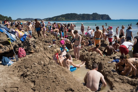 Coromandel peninsula Hot Water Beach