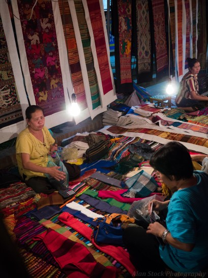 It's not always tourists at the craft markets, you do see locals buying material and clothes too.