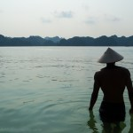 Travelmate Backpacker Halong Bay Silhouette muscled hat Vietnam