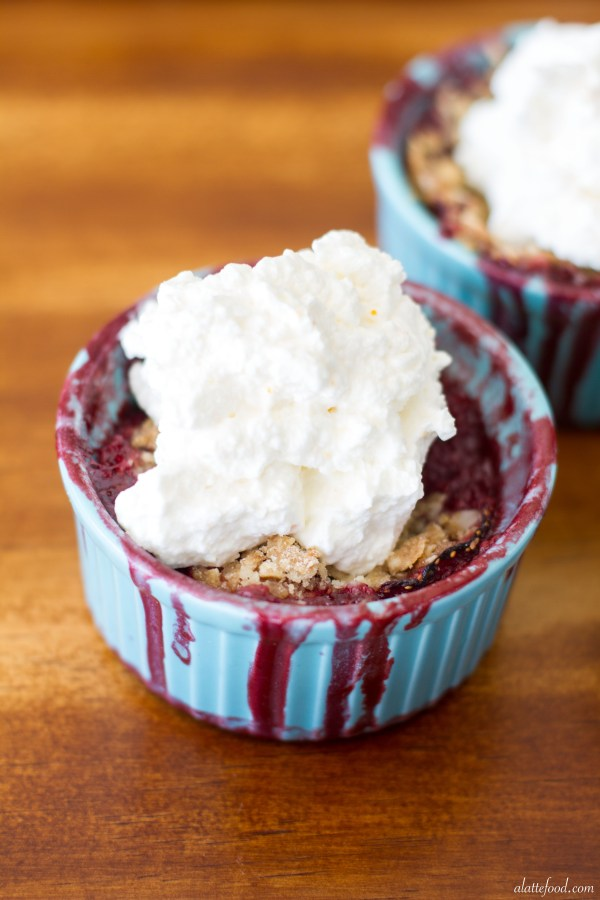 Strawberry Blueberry Fruit Crisp with Orange Whipped Cream | A Latte Food