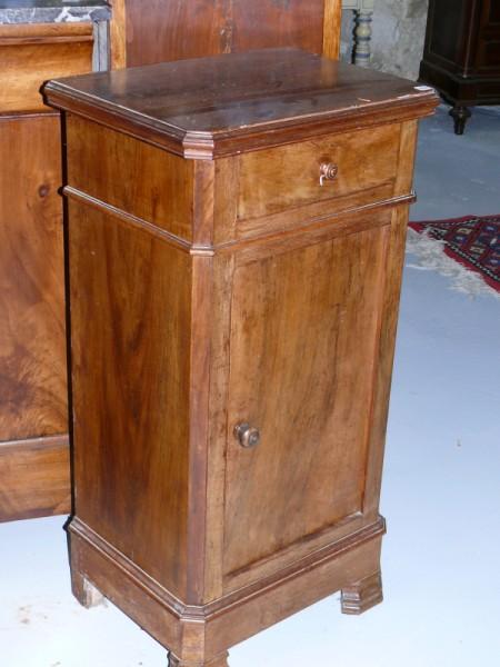 Chevet avec tiroir meuble ancien albert antiquit for Meuble antiquite