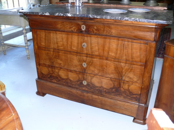 commode louis philippe buffet noyer et marbre albert antiquit. Black Bedroom Furniture Sets. Home Design Ideas