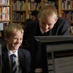 boys-using-computer