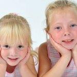 Sisters, Hannah and Seanna