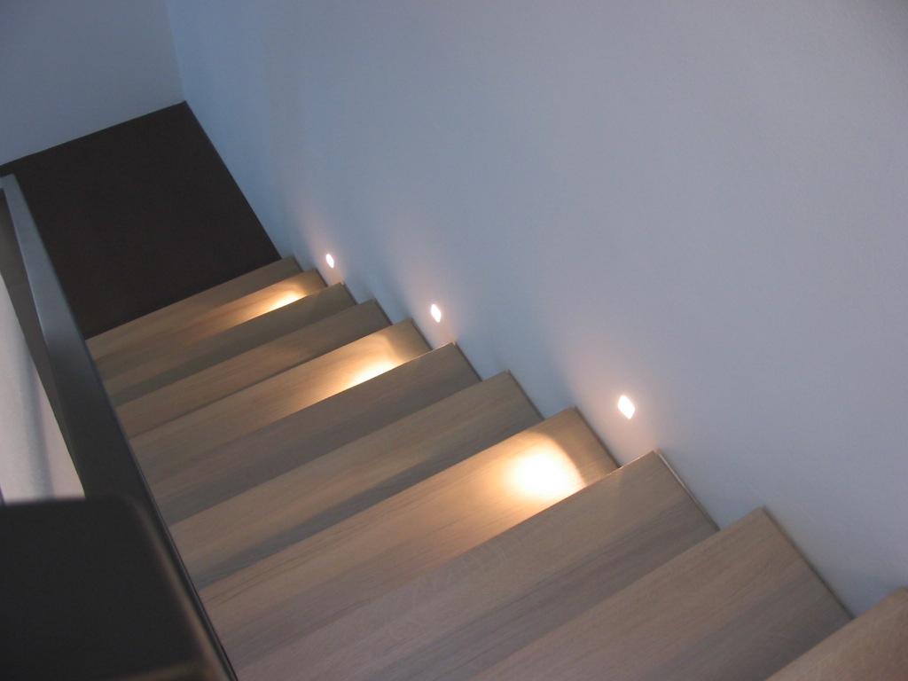 Scale interne scale a sbalzo realizzazioni alfa scale novi - Scale in muratura per interni ...