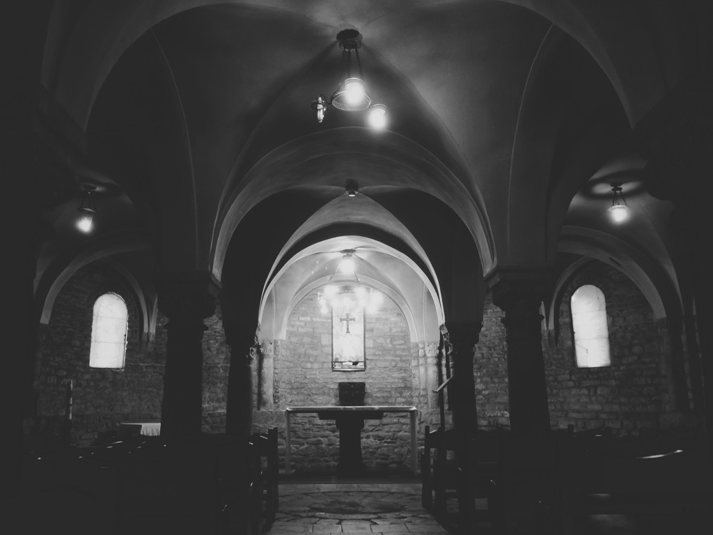 Crypt in Vic Barcelona by Alfredo Liétor Photography