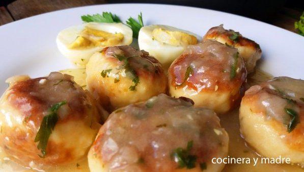 albondigas-de-merluza-en-salsa-verde-cocinera-y-madre