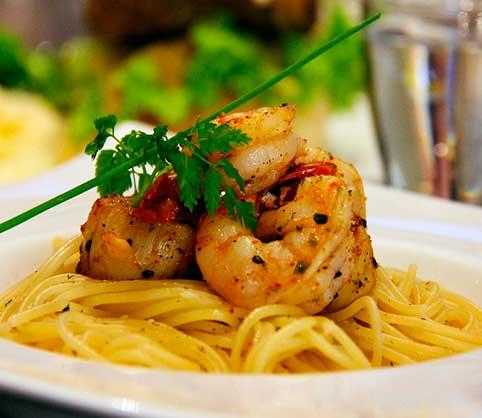 espaguetis langostino y jamón - la mansión de las ideas