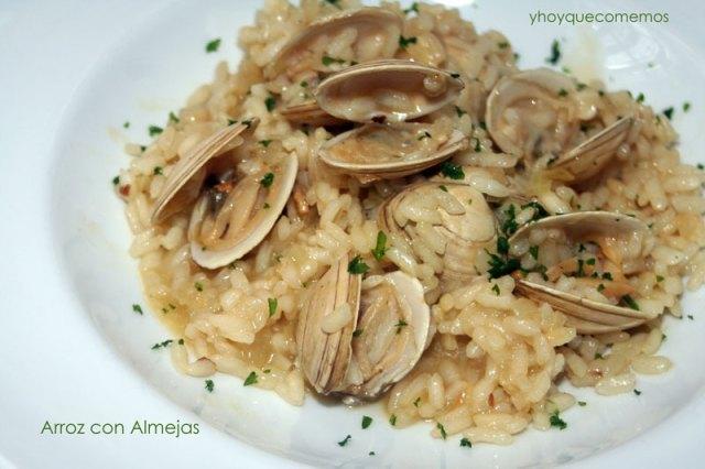 arroz con almejas - y hoy que comemos
