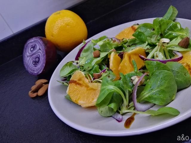 Ensalada de naranja y cebolla morada