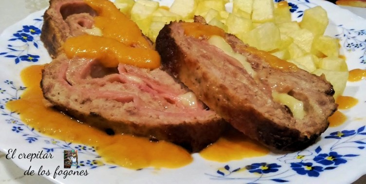 Pastel de carne con jamón y queso