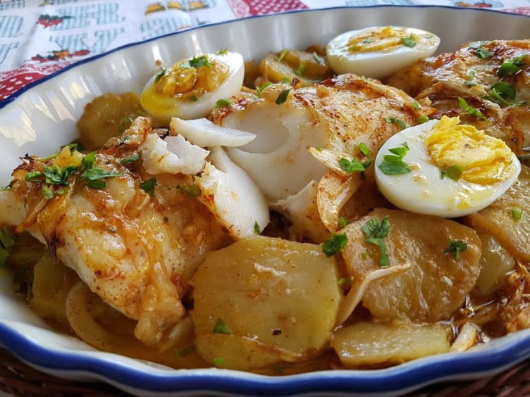 Bacalao al horno con patatas (Bacalhau no forno)