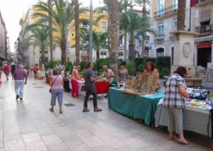 Mercado artesano en la Plaza de Santa Faz,. ARTESANOS PLAZA SANTÍSIMA FAZ @ ARTESANOS PLAZA SANTÍSIMA FAZ | Alicante | Comunidad Valenciana | España