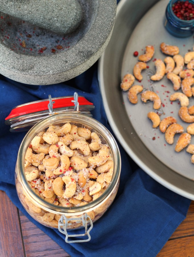 Pink Pepper roasted cashews