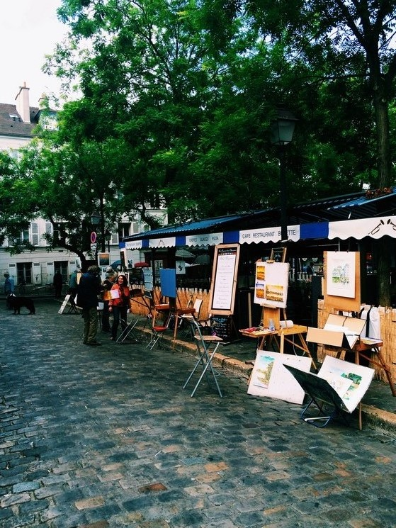 A Walk in Monmartre, Paris, Go with Oh Apartment, #IGTravelThursday