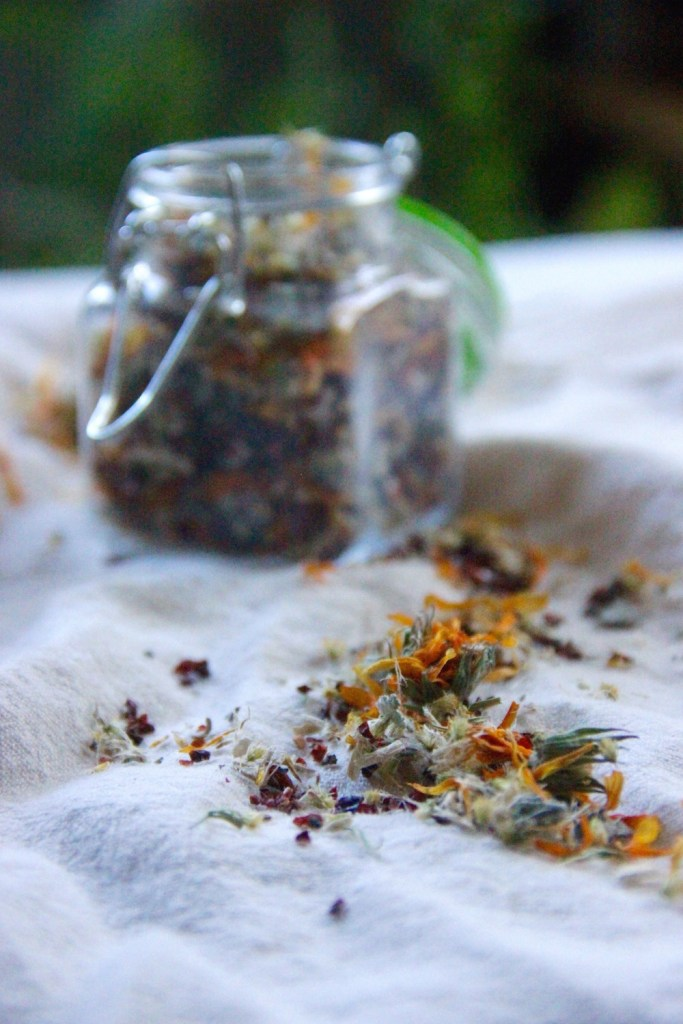 Natural herbal tea blend for cold and flu season - by A Little Rosemary and Time