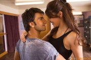 Intense kissing scene between Ranveer and Anushka in Dil Dhadakne Do