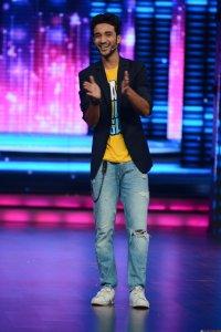 Remo and his Dance + mentors surprise Raghav