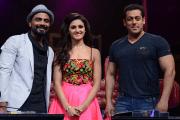 Salman Khan along with Sooraj and Athiya on Dance +