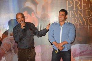 Sooraj Barjatya and Salman Khan 2 at the trailer launch of Prem Ratan Dhan Payo presented by Fox Star Studios & produced by Rajshri Productions (P) Ltd, directed by Sooraj Barjatya