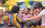 Nisha's Early Bird Christmas Gift to underprivileged Mumbai Kids